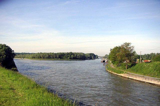 640px-Canal_du_Nord_et_Canal_de_la_Sensée-e1593704153514