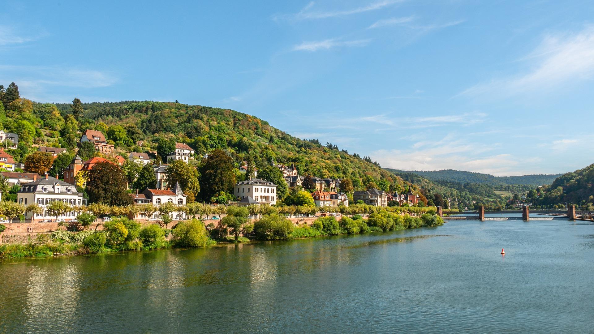 Auf den 4 schönsten Flüssen- Flusskreuzfahrten-Reisen
